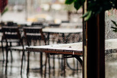 Ненастное утро в кафе Стоковое Фото