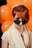 Необыкновенная женщина с студией воздушных шаров стоковые изображения rf