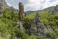 Необыкновенные утесы в долине призраков, горе Demerdzhi, Крыме Стоковая Фотография RF