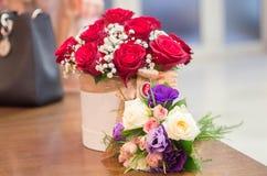 Необыкновенный букет 2 вполне роз Стоковое Фото