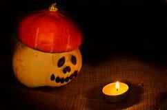 Необыкновенный helloween оранжевый пожар andcandle тыквы шляпы Стоковое Изображение