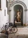 неоклассическая статуя стоковое фото