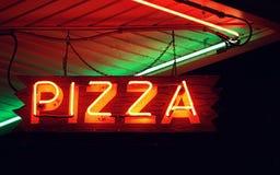 Неоновая вывеска пиццы Стоковое фото RF