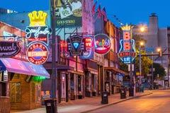 Неоновые вывески на улице Beale Стоковые Фото