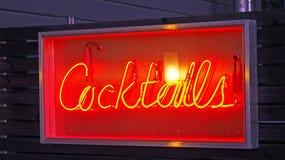 Неоновый знак коктеилей Стоковые Фото