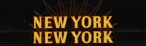 Неоновый знак который говорит New York New York Стоковое фото RF