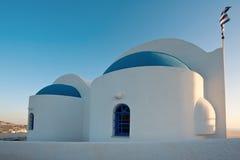 Неопознанная церковь в Fira, Santorini, Греции Стоковое Фото