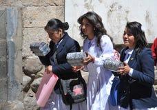 Неопознанные девушки на улице Potosi Стоковое Изображение RF
