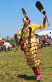 Неопознанный танцор коренного американца на вау плена NYC в Бруклине Стоковое Изображение RF