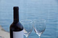 Неоткрытая бутылка вина стоковые фотографии rf