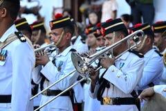 Непальский воинский выполнять оркестра в реальном маштабе времени Стоковая Фотография RF