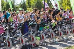 Неподвижная тренировка велосипеда в конце концов сверх Стоковое Фото
