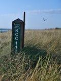 Непредвиденный знак отметки на пляже Carrum, Австралии стоковые изображения rf