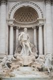 Нептун в красивом фонтане Trevi в Риме стоковые изображения