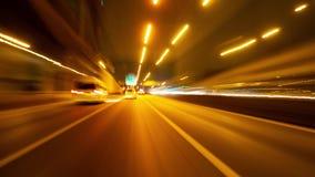 Нерезкости движения городского транспорта ночи Hyperlapse на высоком пути акции видеоматериалы
