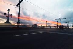 Нерезкость движения дороги города Предпосылка ночи стоковые фотографии rf