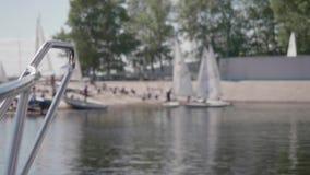 Нерезкость меньших яхт при листы отказываясь в ветре видеоматериал