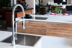 нержавеющая сталь faucet глянцеватая Стоковые Изображения RF