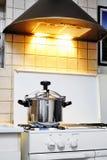 Нержавеющая сталь герметической электрической кастрюли Стоковые Изображения
