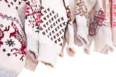 Несколько пар связанных шерстяных носок Стоковые Изображения