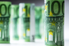 Нескольк 100 банкнот евро штабелированных значением Банкноты евро Rolls Деньги валюты евро Стоковые Фотографии RF