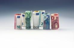 Нескольк 100 банкнот евро штабелированных значением Концепция денег евро Стоковое фото RF