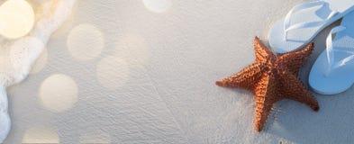 Нетронутая тропическая предпосылка пляжа Стоковое Изображение