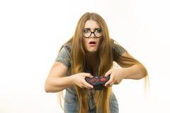 Неудовлетворенная женщина после освобождать видеоигру стоковые фото