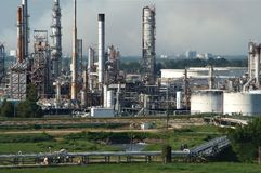 нефтеперегонный завод Стоковые Изображения RF