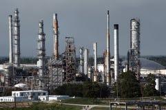 нефтеперегонный завод Стоковое Изображение