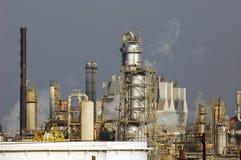 нефтеперерабатывающее предприятие ландшафта Стоковое Изображение