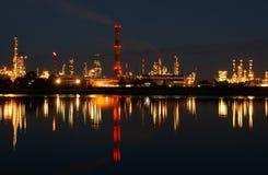 Нефтеперерабатывающее предприятие стоковые фото