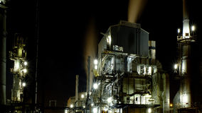 нефтеперерабатывающее предприятие Румыния ночи navodari Стоковые Фотографии RF