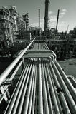 нефтеперерабатывающее предприятие сумрака Стоковые Фотографии RF