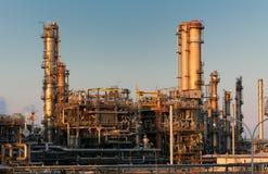 Нефть и газ рафинадный завод стоковая фотография rf