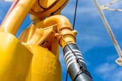 Нефтяная вышка с верхним приводом для сверлить океана стоковое изображение rf