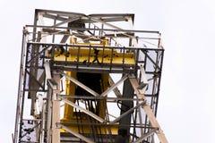 Нефтяная вышка с верхним приводом для сверлить океана стоковые изображения rf