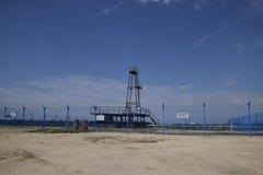 Нефтяная скважина Оборудование и технологии на месторождениях нефти Стоковая Фотография
