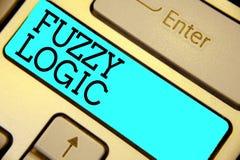 Нечеткая логика текста почерка Смысл концепции проверяет для размера количества грязи и тавота клавиатуры голубого ключевого Inte стоковые изображения rf
