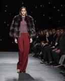Неделя FW 2017 моды Нью-Йорка - собрание Oday Shakar стоковое фото