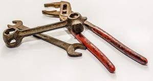 Не использовать старые схваты, гаечный ключ и ключ открытого конца, инструменты Стоковое Фото
