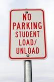 не нагрузите никакого студента знака стоянкы автомобилей расгрузите Стоковое Изображение RF