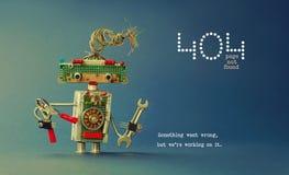 не найденная страница 404 ошибок Плоскогубцы ключа руки робота военнослужащего на голубой предпосылке Текстовое сообщение что-то  стоковые изображения rf