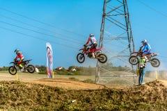 Не определенный всадник на польском чемпионате Польше Motocross, Гданьске 11 Septemeber 2016 Стоковая Фотография
