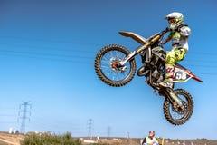 Не определенный всадник на польском чемпионате Польше Motocross, Гданьске 11 Septemeber 2016 Стоковое Изображение