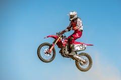 Не определенный всадник на польском чемпионате Польше Motocross, Гданьске 11 Septemeber 2016 Стоковые Фото