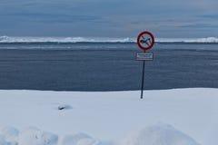 Не упадите снег здесь Стоковая Фотография