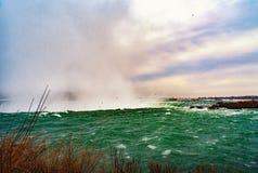 Ниагарский Водопад между Соединенными Штатами Америки и Канадой стоковое фото rf