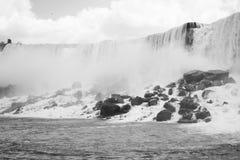 Ниагарский Водопад в черно-белом Стоковые Изображения