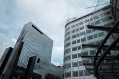 Нижний взгляд небоскребов в Роттердаме Стоковые Изображения